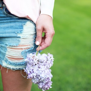 A close-up peek at tomorrow's laid back summer weekend look…
