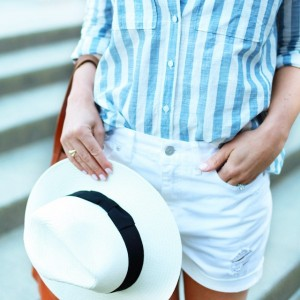 Another look at today's post! Perfect combination of stripes and…