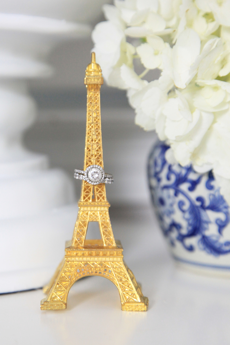 eiffel-tower-as-a-ring-holder