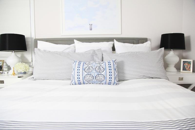 lemon-stripes-bed